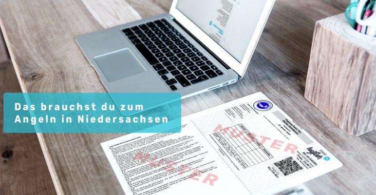 """Laptop und Schreibtisch mit Schriftzug """" Angelberechtigungen Niedersachsen"""""""