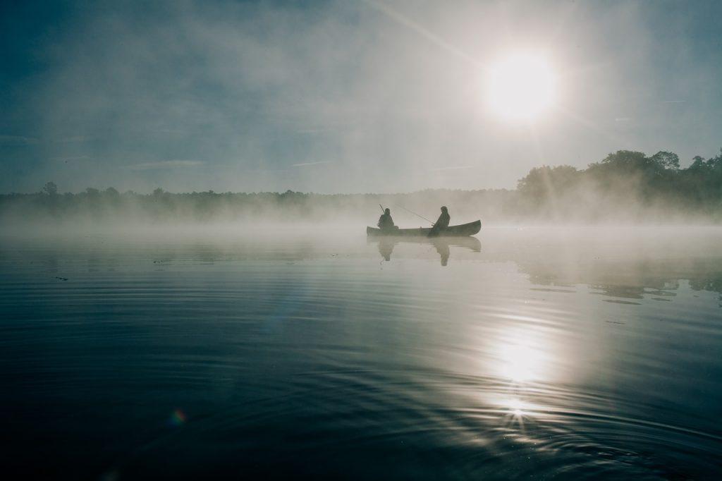 Angeln vom Boot in Deutschland Fischerhütte |