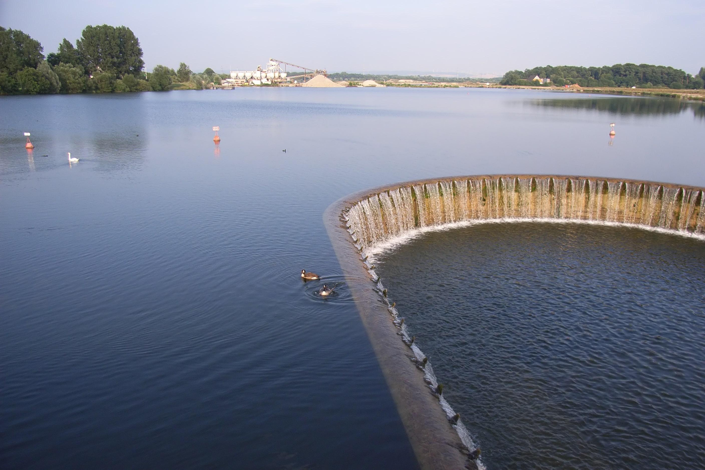 Der Lippesee mit seiner Staumauer.