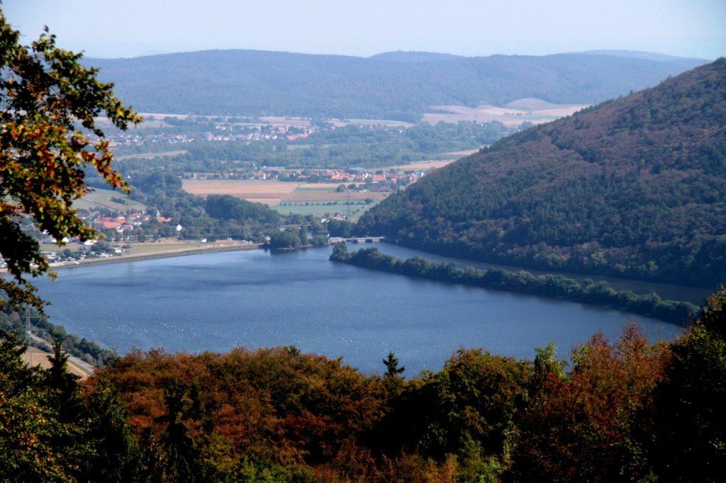 Luftbild des Affoldener Sees - ein beliebtes Hecht-Gewässer